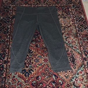 Athleta Capri leggings gray